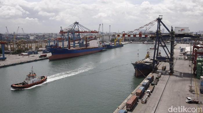 PT Nusantara Pelabuhan Handal merupakan operator yang mengoperasikan terminal peti kemas di Pelabuhan Tanjung Priok, Jakarta.