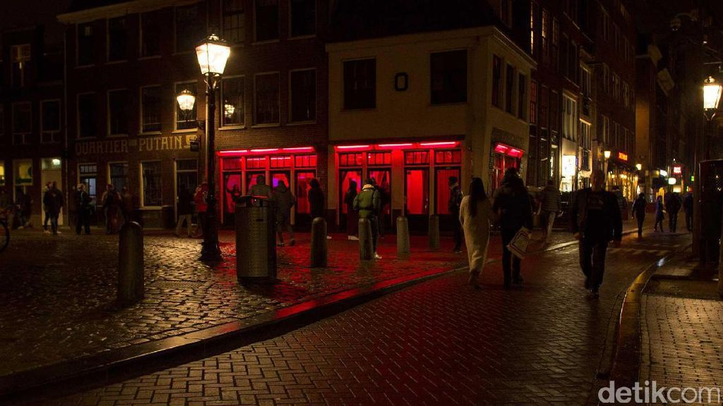 Foto: Objek Wisata Khusus Dewasa di Red Light District Amsterdam