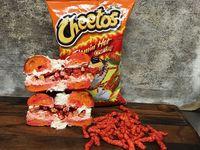 Yummy! Ada Bagel Bertabur Cheetos dengan Krim Keju Super Pedas
