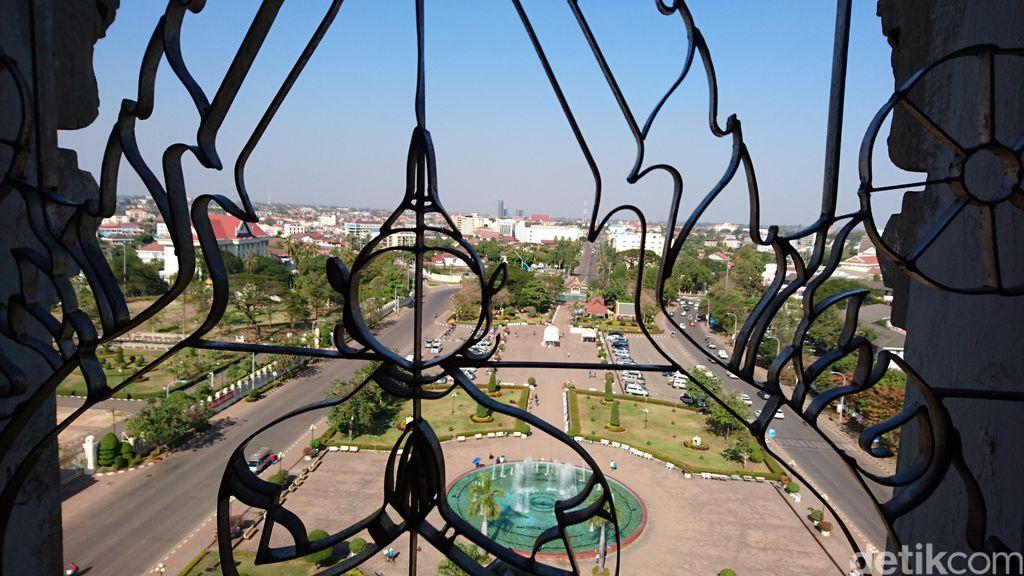 Monumen Patuxay di Laos