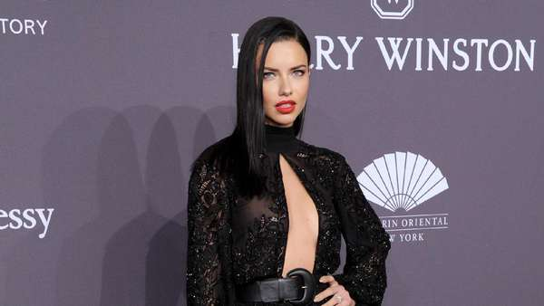 Parade Seleb Cantik, Scarlett Johansson Hingga Heidi Klum