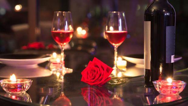 Ide Kado Spesial di Hari Valentine Yang Pasti Disukai Wanita