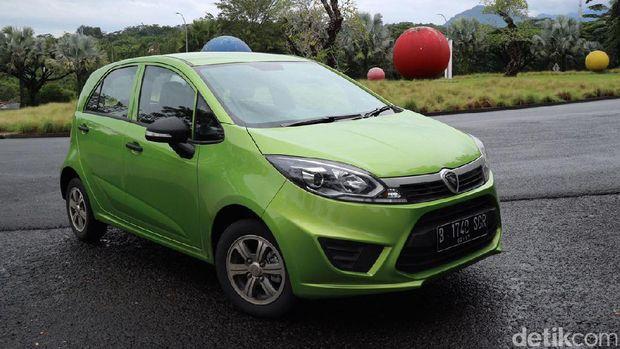 Proton Iriz salah satu mobil nasional Malaysia
