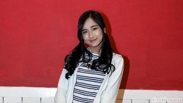 Cerita Della JKT48 Soal Perjuangan Fans Luar Kota