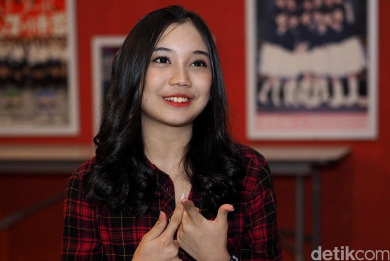 Yuriva JKT48, Pernah Jadi Vokalis Band di Bandung