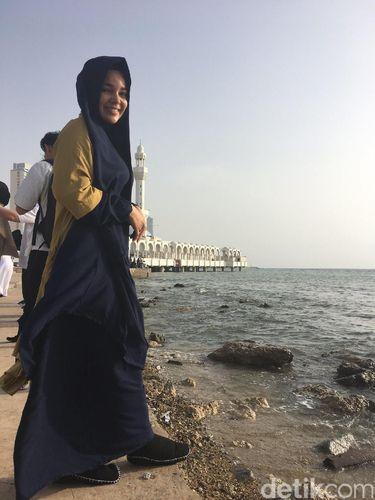 Dewi Sandra Berharap Punya Bisnis Fashion Sebesar Zara