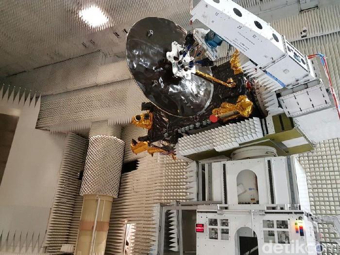 Peluncuran satelit Telkom 3S