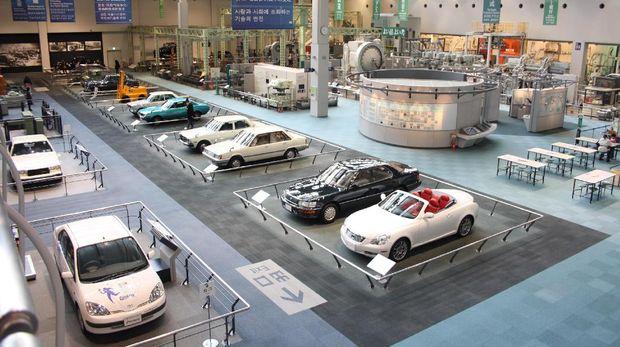 Seru, Belajar Sejarah Otomotif di Museum Toyota Jepang