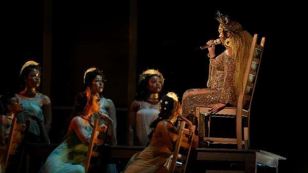 Goddess! Penampilan Mistikal dari Beyonce