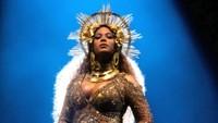 Beyonce pada tahun lalu berhasil mencatatkan pendapatan tertinggi sebesar 62,1 juta USD atau Rp 828 miliar. Wow! Foto: Getty Images