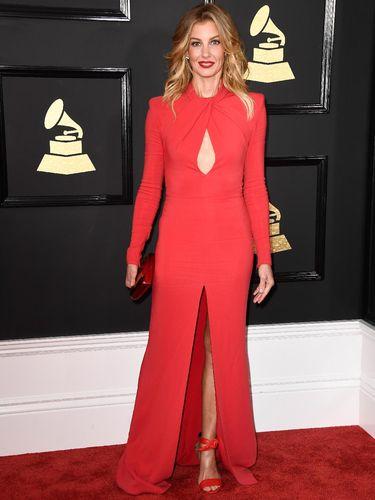 Trend Alert! Gaun 'Keyhole' Jadi Andalan Seleb di Grammy Awards 2017