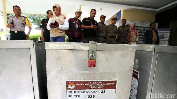 KPU Banten Ingatkan PPK Tidak Sembarangan Buka Kotak Suara