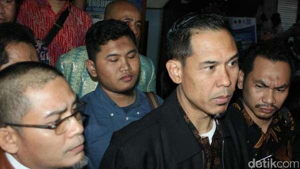 Soal CCTV di Kasus Ninoy, Polisi Konfrontasi Munarman dan Tersangka S