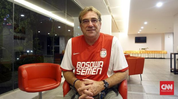 Robert Rene Alberts berpeluang mengantarkan PSM Makassar meraih gelar juara Liga 1 2018.