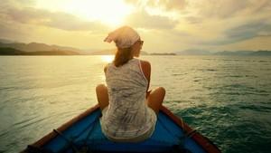 Tips Aman Buat Cewek yang Ingin Traveling
