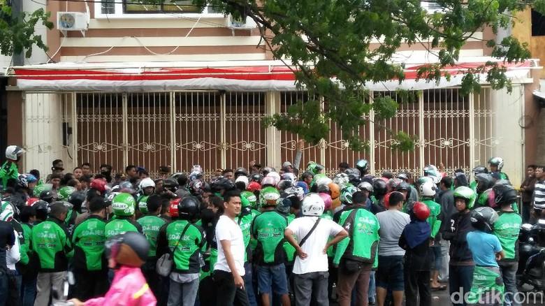 Massa Driver Go-Jek Makassar Demo Tuntut Ada Perbaikan Tarif Komisi