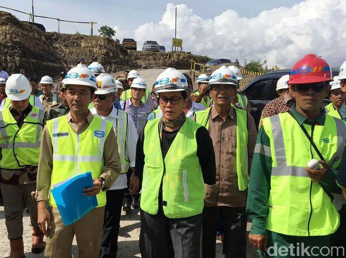Menkeu Sri Mulyani cek proyek infrastruktur/Foto: Muhammad Idris