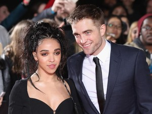Dekat dengan Katy Perry, Robert Pattinson dan FKA Twigs Masih Pacaran