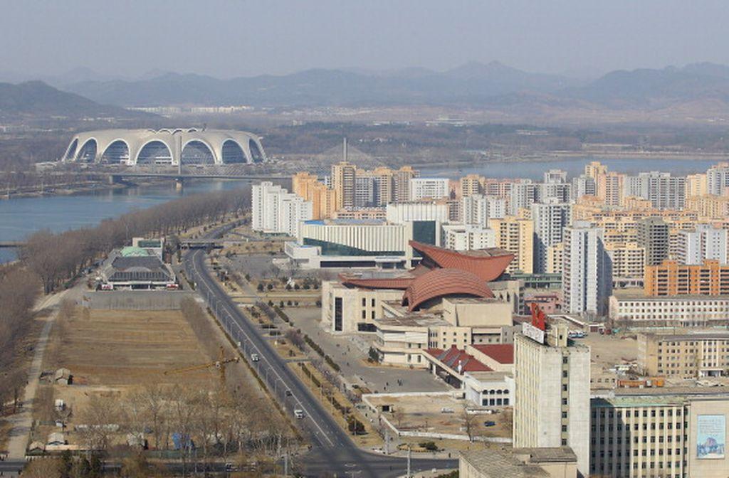 Pemandangan di ibu kota Korea Utara, Pyongyang. Korut menjadi bahasan karena pemimpinnya, Kim Jong-un diduga kuat membunuh kakaknya sendiri, Kim Jong-nam. Foto: Getty Images