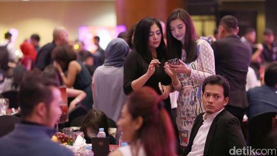 Raline Shah dan Keluarga SYTD 2 di Trans TV, Cocok?