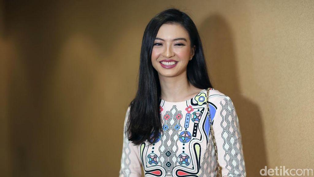 Foto Bareng Bintang Avengers, Raline Shah Bikin Heboh