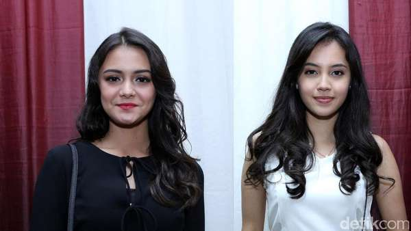 Black Vs White ! Gaya Amanda Rawles dan Anggika Bolsterli di Trans TV