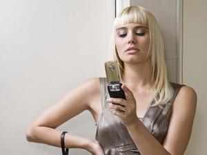 Ini Alasan Mengapa Sebaiknya Anda Tak Bawa Handphone ke Toilet