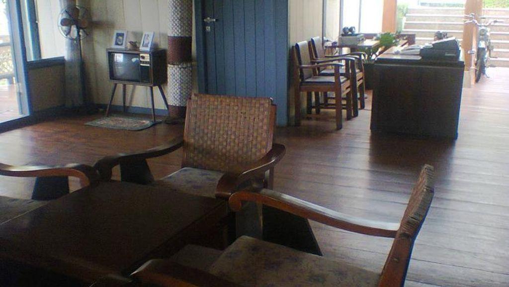 Kembali Ke Tempo Dulu Lewat Resto di Bandung