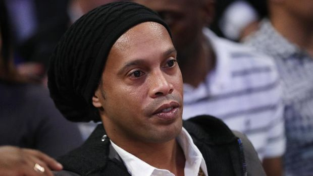 Rencana menikah Ronaldinho ditentang adiknya, Deisi.