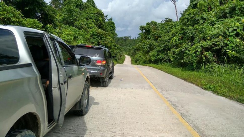 Jalan Trans Papua Sorong-Manokwari