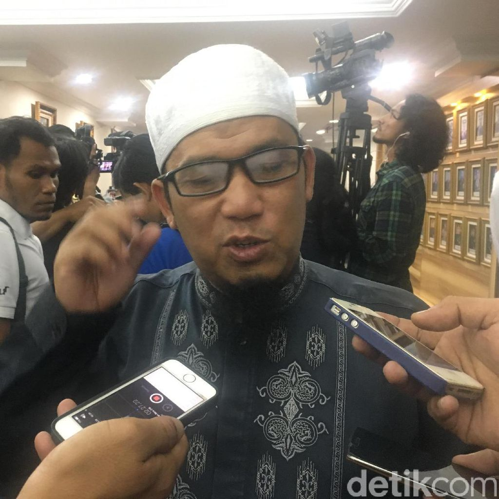 Kapitra Janji Jemput Habib Rizieq, PA 212: Bullshit, Cari Sensasi!