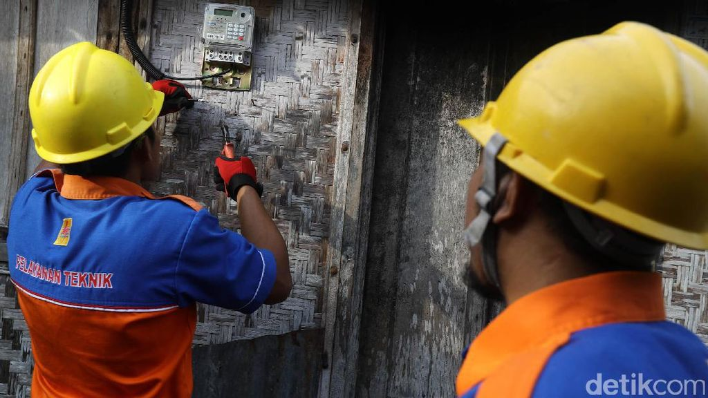 Pelanggan Listrik Pascabayar 2.200 VA dapat Kompensasi Rp 45 Ribu
