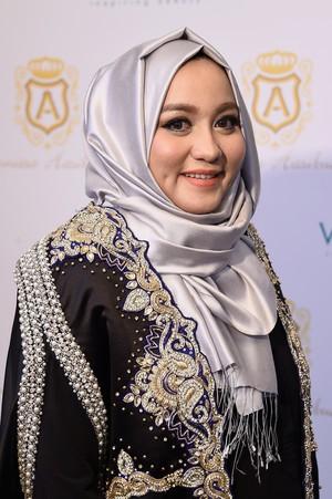 Foto: Desainer Anniesa Hasibuan, Bos First Travel yang Ditangkap Polisi