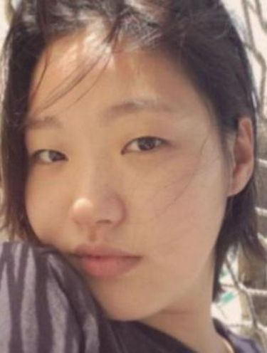 Ini Jawaban Kim Go Eun untuk Para Haters yang Ejek Wajahnya Jelek
