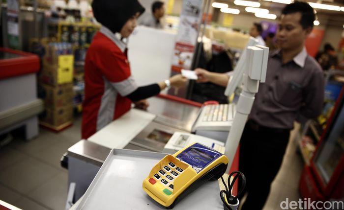 Kini pembayaran itu bisa dilakukan di 141 gerai Super Indo yang tersebar di seluruh Indonesia. Hal ini dilakukan dalam rangka memperluas akses yang memberikan kemudahan bagi pelanggan untuk melakukan pembayaran iuran BPJS Kesehatan.