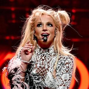 Ramai-ramai Memburu Penampilan Britney Spears Usai Lebaran di Singapura