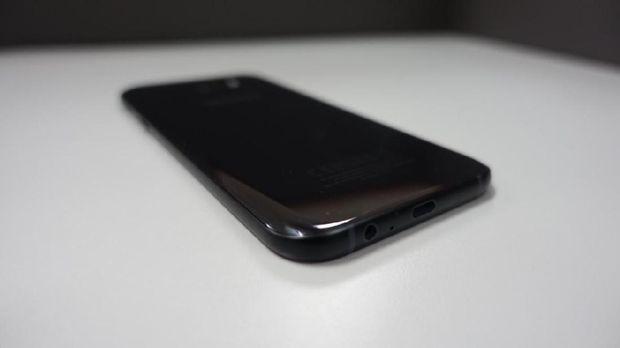 Menjajal Galaxy A7 Edisi 2017
