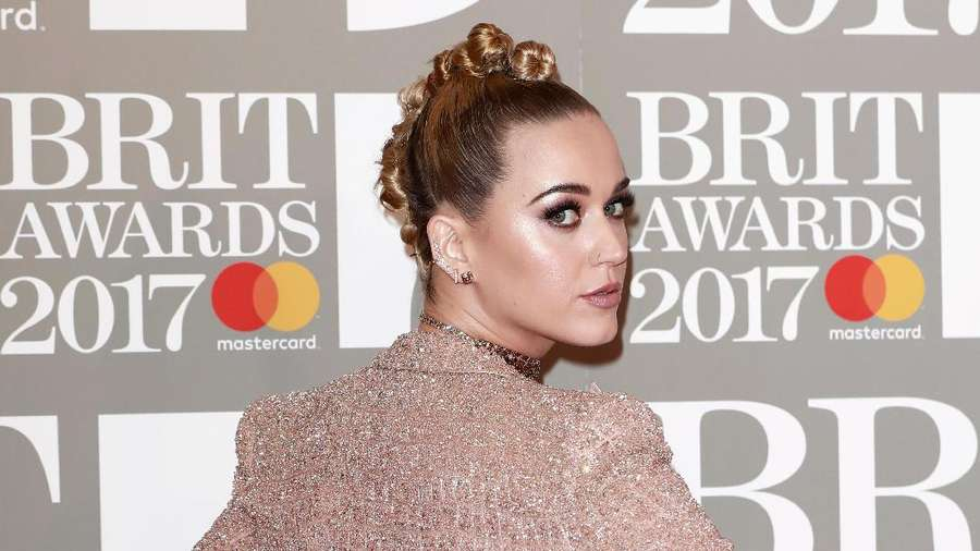 Teenage Dream ! Penampilan Katy Perry di BRIT Awards 2017