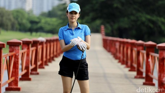 Hole In One! Ikut Anggika Bolsterli Main Golf Yuk!