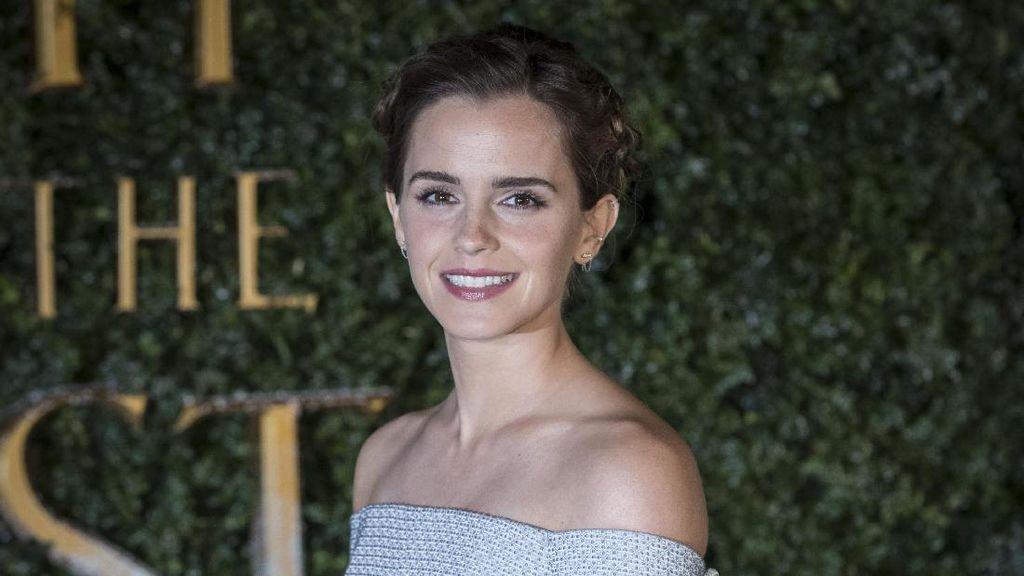 Reaksi Emma Watson Bertemu Anak Kecil Dandan Ala Belle Beauty and The Beast