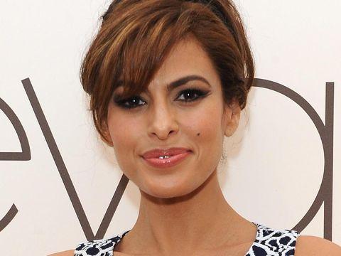 11 Selebriti Wanita dengan Bentuk Bibir Paling Menarik Perhatian