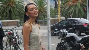 Gaya Si Cantik Asmara Abigail di Melbourne