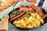 Ini 5 Makanan yang Tak Disarankan Dipesan Melalui Layanan <i>Room Service</i>