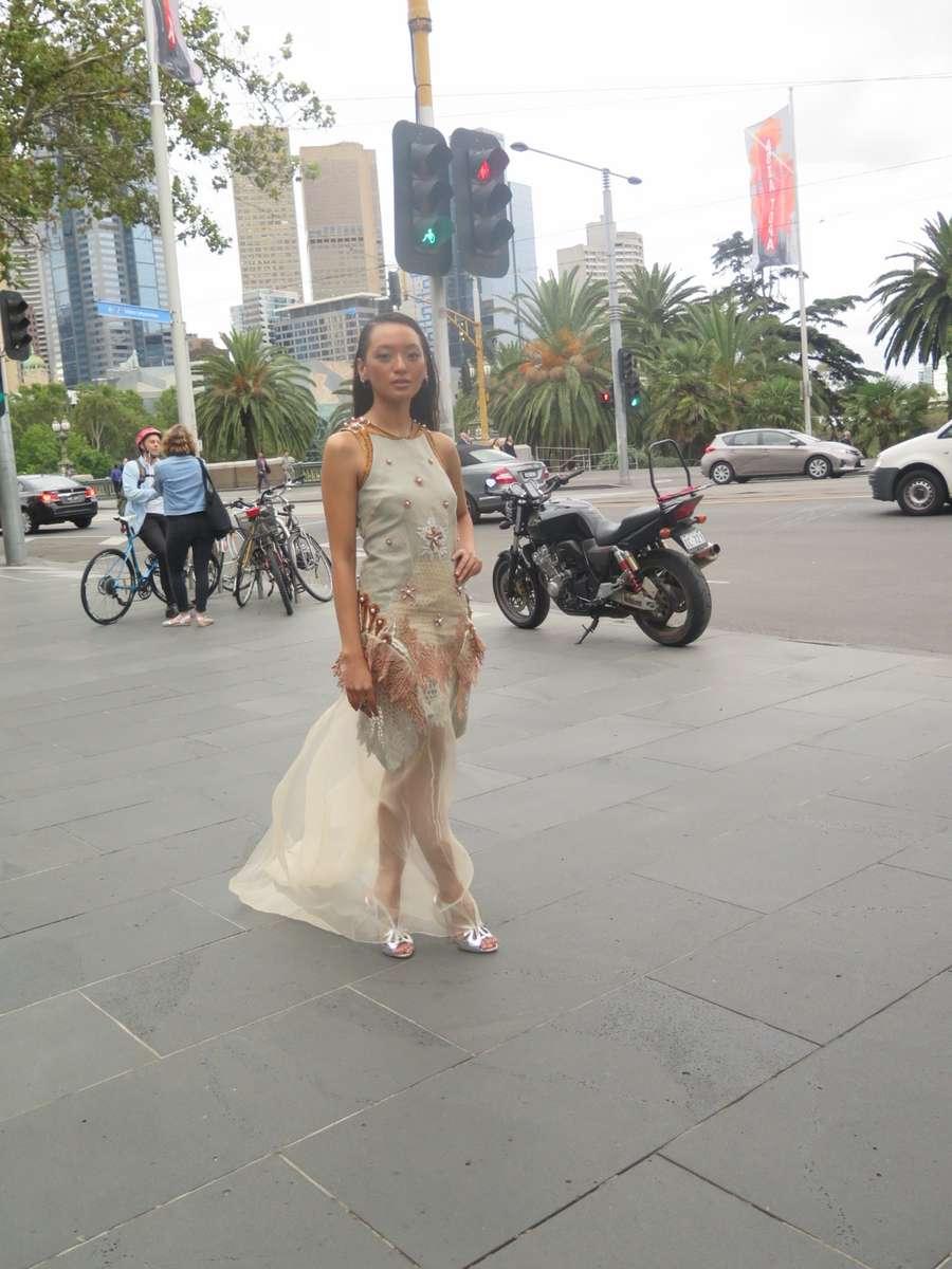 Gaya Asmara Abigail di World Premier Setan Jawa