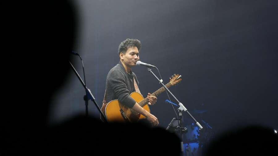 Melagukan Film di Galih & Ratna Concert