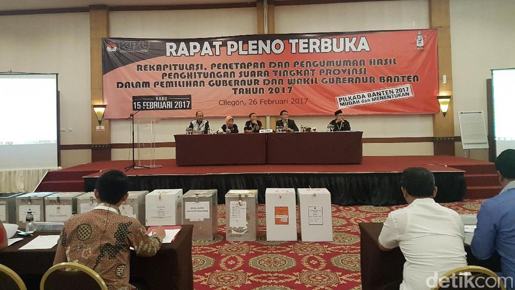 Saksi Rano-Embay Tolak Teken Rekapitulasi Suara Kabupaten Serang