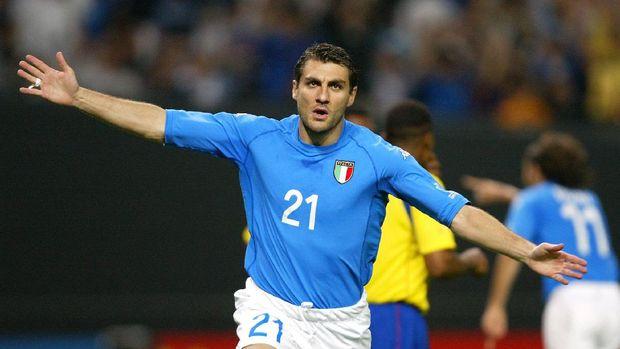 Christian Vieri lebih produktif dari Mauro Icardi.