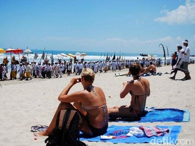 Turis Nakal di Indonesia, Seperti Apa Tipikalnya?