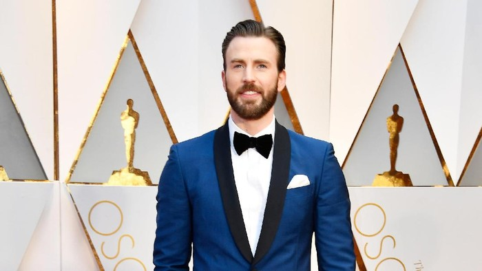 HOLLYWOOD, CA - FEBRUARY 26:  Actor Chris Evans attends the 89th Annual Academy Awards at Hollywood & Highland Center on February 26, 2017 in Hollywood, California.  (Photo by Frazer Harrison/Getty Images)