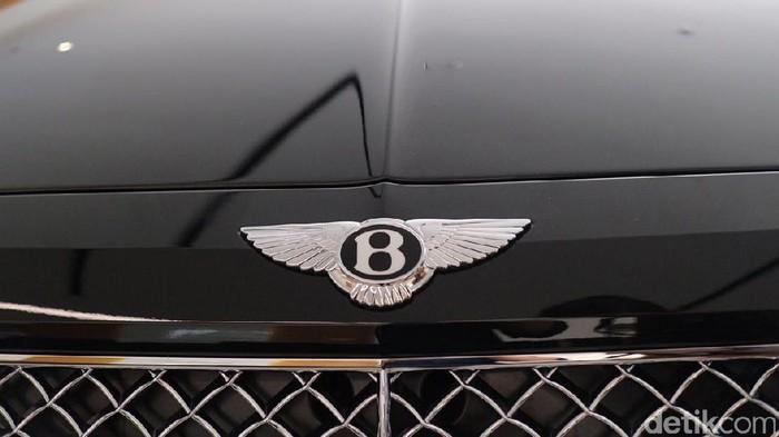 Bentley meluncurkan SUV Bentayga di Jakarta 2017
